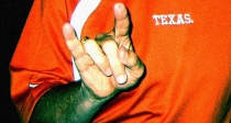 22Mack_Brown_Texas_Horns_up2
